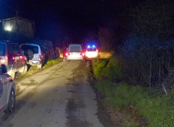 Gizonezko bat hil da Oñatin, traktorearekin istripua izanda