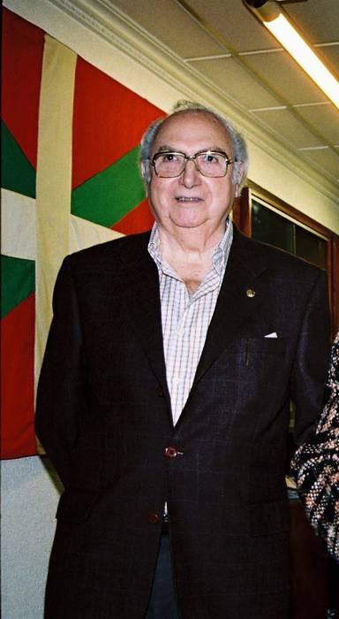 Gonzalez Bastida musikariari, agur