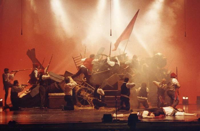 Bueltan da Bergaran mundua hunkitu zuen 'Miserableak' musikala