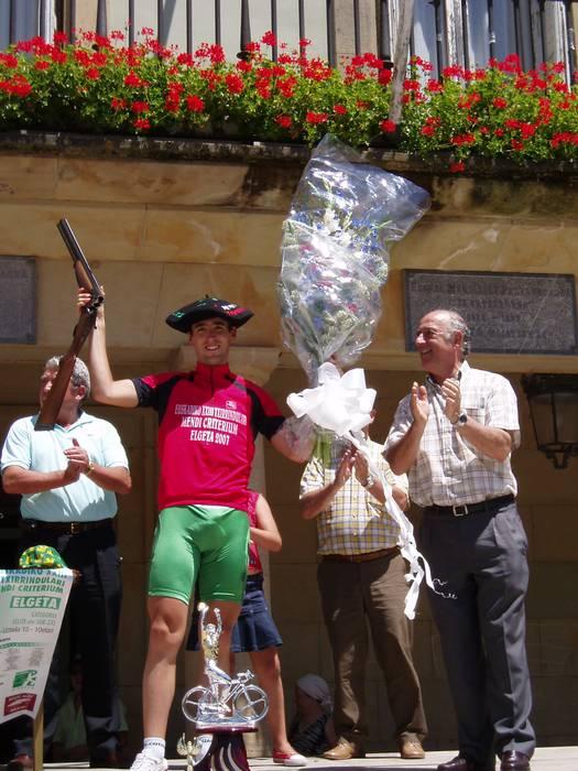 Caja Rural taldeko Mikel Nievek irabazi du Elgetako mendi kriteriuma