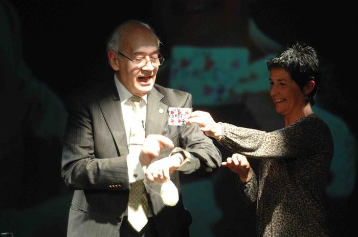 Camilo Vazquez magoak jaso du publikoaren saria