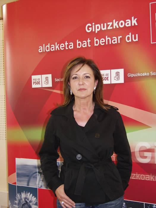 Carmen Atxutegi Arrasateko zinegotzi sozialista, Kongresura