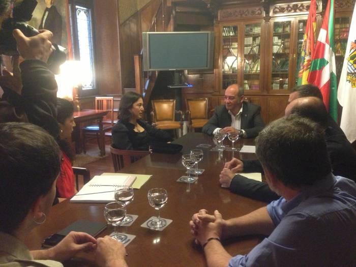 Mondragon, Lanki eta Garabide ezagutu ditu Boliviako enbaxadoreak