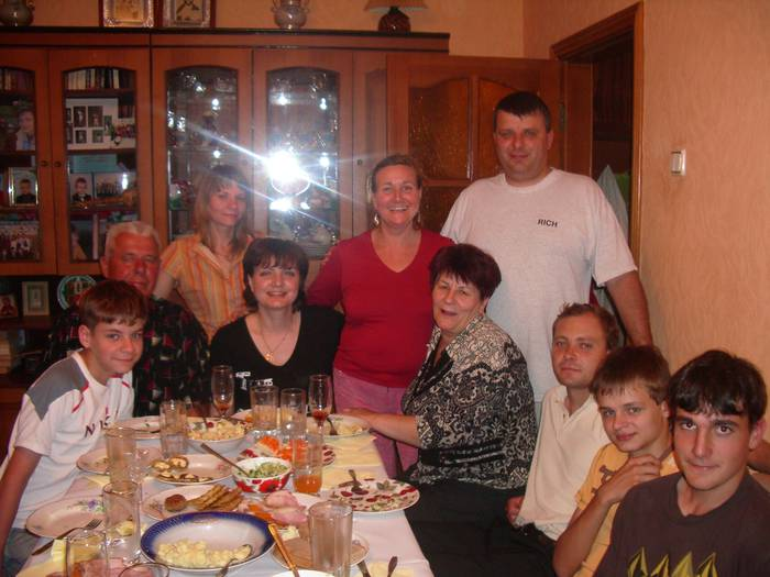 Elkartasunak Elgetako eta Ukrainiako bi familia batu ditu