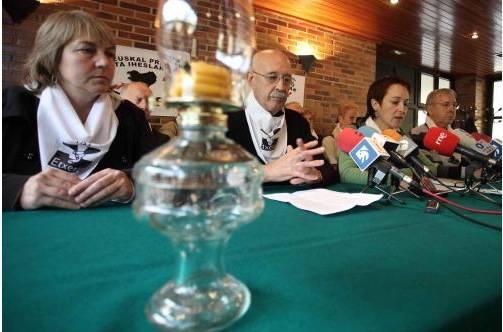 Hiru presoren senideek deklaratzera joan beharko dute, Auzitegi Nazionalera