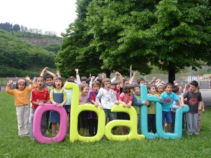 Euskal Eskola publikoaren jaia ospatuko dute domekan Bergaran