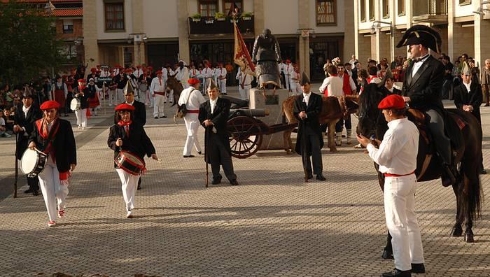 Euskal Herriko zortzi alarde dira Antzuolan aste bukaeran