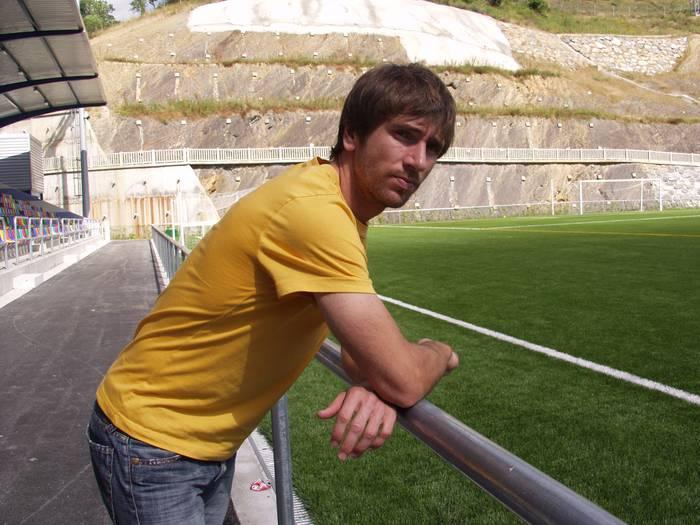 """""""Futbolean jokatzen jarraitzeko ilusioarekin noa Almeriara"""""""