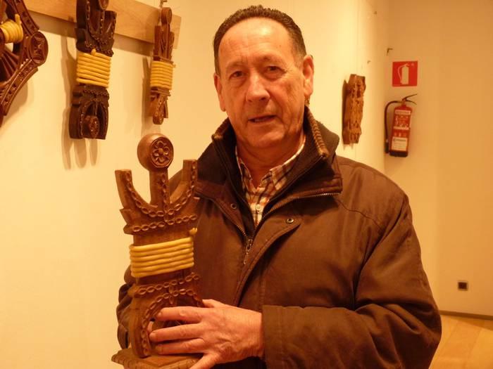 """Manuel Gabilondo: """"Kutxak, argizaiolak, figurak...60 lan baino gehiago erakusgai ditugu"""""""