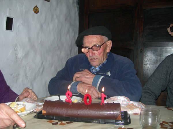 Herriko aitona Andres Agirianok 102 urte bete ditu