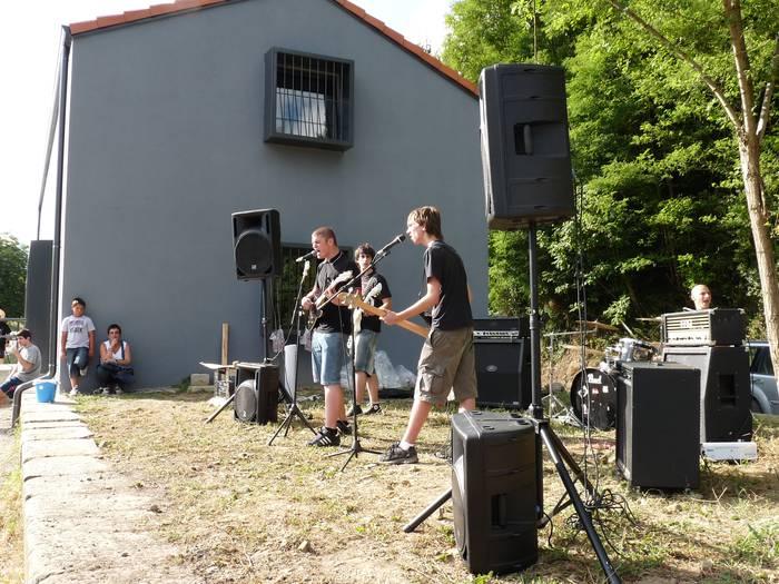 Inauguratuta gelditu dira Bergarako goiko estazioko musika lokalak