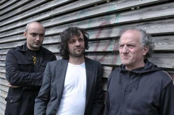 Jimmy Arrabit Trio hirukotea eta Petti bakarlaria izango dira gaur Inkernun