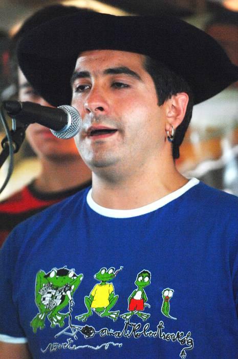 Joseba Lasagabasterrek irabazi du Oñatiko Bertso Txapelketa