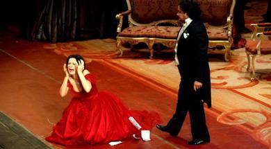 Verdiren 'La Traviata' opera gaur Amaia Antzokian