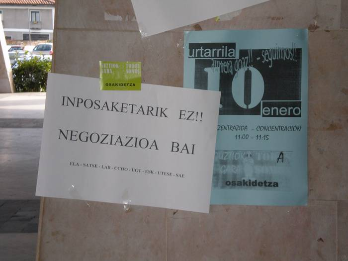 Lanuzteak Debagoieneko Ospitalean Jaurlaritzaren dekretuen kontra