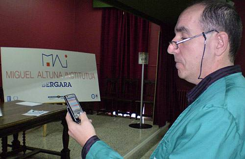 Miguel Altuna ikastetxearen gaineko informazio guztia poltsikoko telefonoan