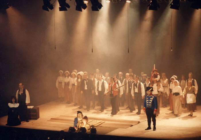 'Miserableak' musikala berriz ere eramango dute taula gainera