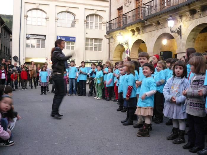 Musikarekin eta txokolatearekin ospatu zuten Santa Zezilia