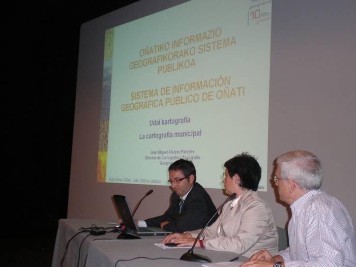 Oñatiko informazio geografikorako sistema publikoa aurkeztu dute