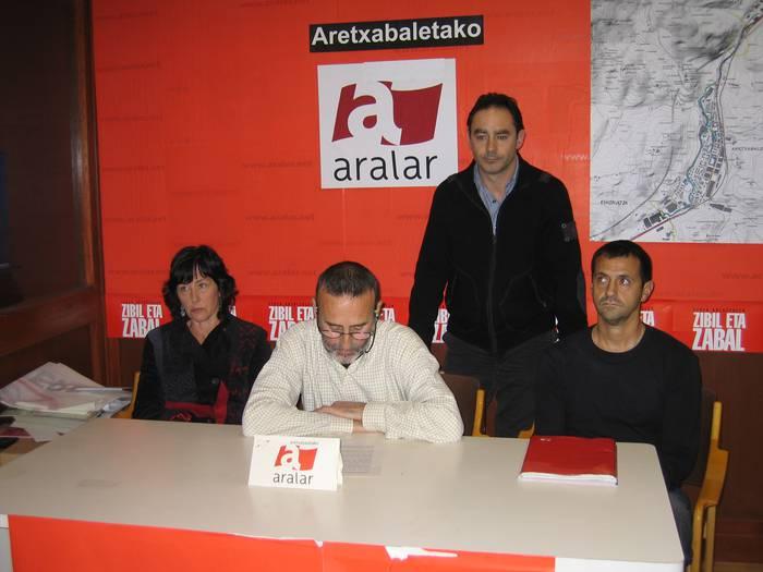 PSE-EEri eta Eusko Abertzale Ekintzari erantzun die Aralarrek