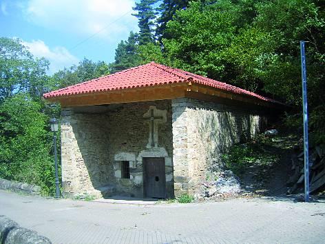 Santa Kolunbako ermitaren teilatua berrituta dago