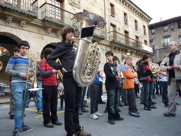 Bergarako musikariak Santa Zeziliaren ospakizunetan murgilduko dira gaurtik hasita