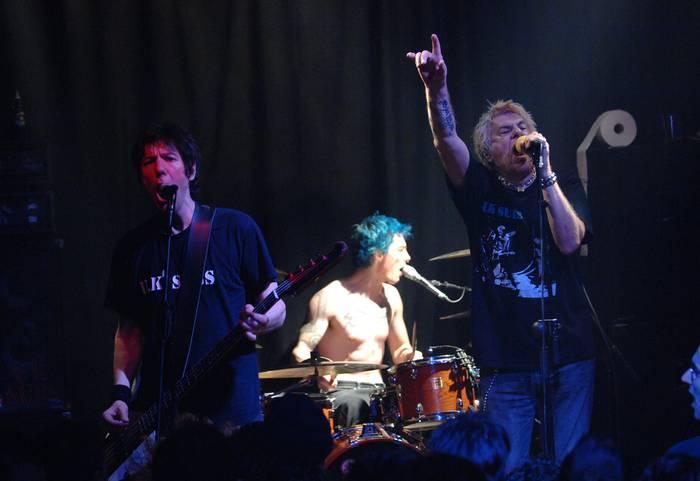 The Vibrators eta UK Subs: punk klasikoa 3.60 aretoan