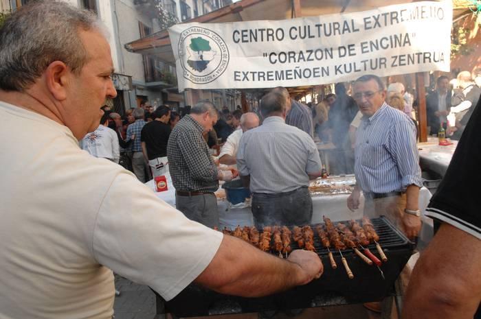 XIII. Gastronomia eta Folklore Jaia domekan, Herriko plazan